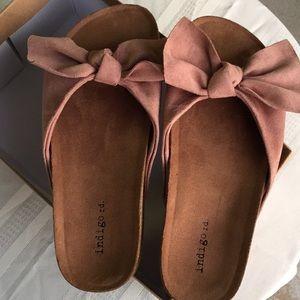 ➖Indigo rd light pink sandals NWOT